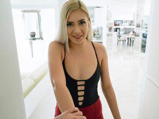 Stepsister Pussy Shenanigans